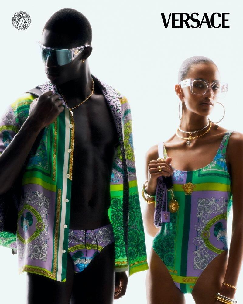 Versace+Flash+2021+Resort+Campaign+by+Arnaud+Lajeunie+(3)